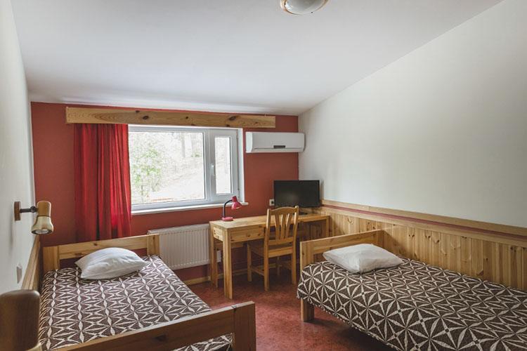 Peamaja 2-kohaline mugavustega tuba