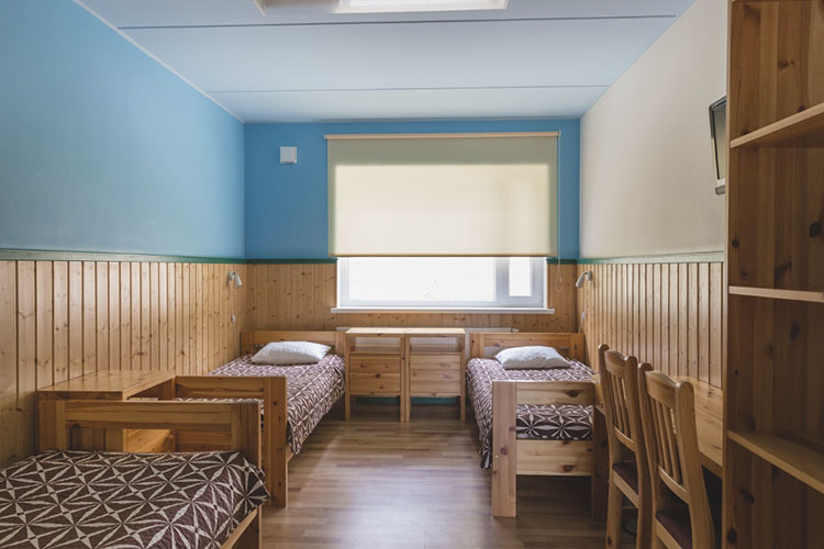 Peamaja 3-kohaline mugavustega tuba