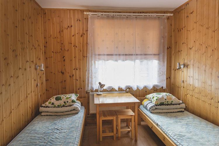 Peamaja 2-kohaline vooditega tuba